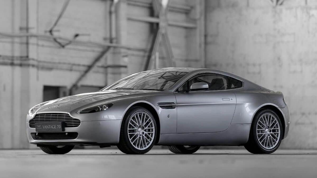 Aston Martin V8 Vantage Secret Classics
